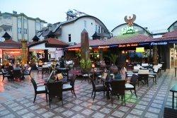 The Royal Restaurant Cafe & Bar