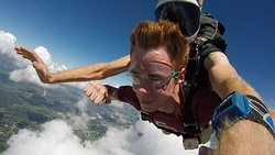 Skydiving free fall