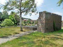 Burg Alsenborn - Rekonstruktion in Gabionebauweise