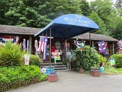 The Beach Basket Christmas Shop