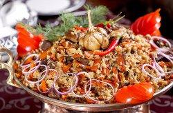 Одно из традиционных блюд восточной кухни - плов! У нас его умеют готовить так, как в Узбекистан