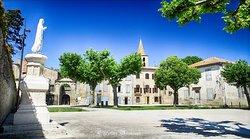 Vue sur l'Abbaye de la place