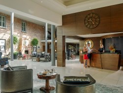라이래스 에스테이트 호텔