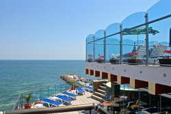 Bijou Hotel & Restaurant