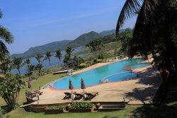 Kaengkrachan Boathouse Paradise Resort