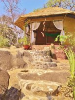 Usisya Beach Eco-Lodge