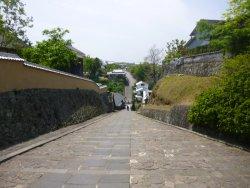 石畳がとても美しい坂道