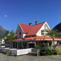 Stryn Coffeebar & Country Inn