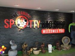 The Spotty Bag Shop & Bridgeview Restaurant