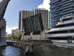 Brickell Avenue Bridge