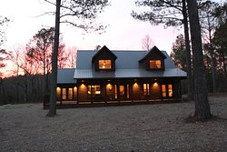 Deer Park Lodge is a 4 BR, 3 Bath with shuffle board, bocce ball and a hot tub.