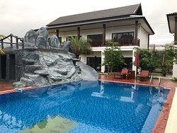 Savanh Sunset View Resort