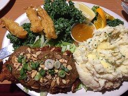 Nikki's Restaurant & Lounge