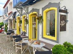 Peri Art Cafe