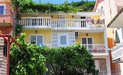 Apartments Jelusic