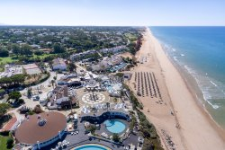 Vale do Lobo beach and pools