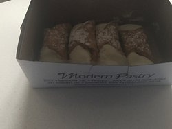 Amazing Bakery recommended by the locals in the North End of Boston Downtown!