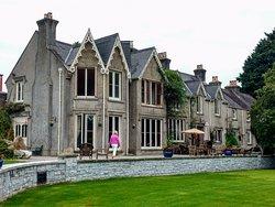 Parc-Le-Breos Guest House