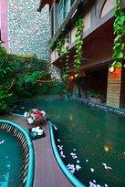 Hot water at Valley Hotel Dayi