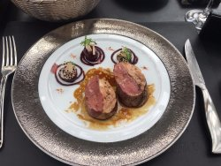 ‪Robuchon au Dome‬