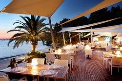 7 Palms Restaurant