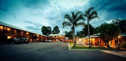 Bega Downs Motor Inn