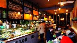 MellowMe Cafe & Dessert Bar