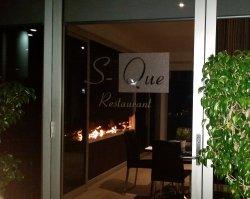 S-Que Restaurant
