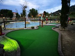 Molly Malone's Bar & Mini Golf Argassi