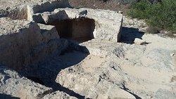 Makronissos Tombs