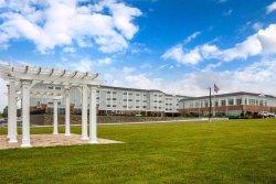 Cambria Hotel & Suites Newport