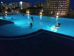 Noche fantástica en la piscina del hotel sirius en directo!!