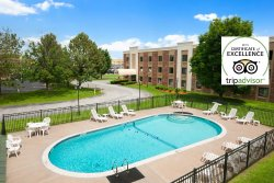 Days Inn & Suites, Plattsburgh NY