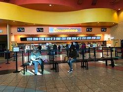 Regal Cinemas Everett Mall 16 & RPX
