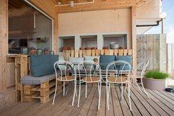 Table avec banc en palette