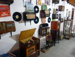 MUSEO DE LA FE / DISCOS y RADIOS ANTIGUOS