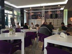 Śniadanie w Bursztynie - dobre, tanie, pożywne i w doborowym towarzystwie. Gorące pozdrowienia