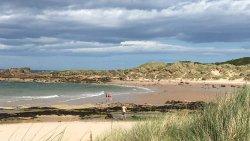 Il mare del nord a luglio con sole che va e viene