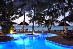馬拉尼海灘小屋飯店