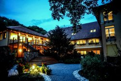 Topart Hotel & Restaurant