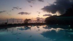 La piscine du haut en soirée