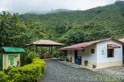 Las Tangaras Bird Reserve