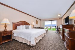 Best Western Edgewater Resort