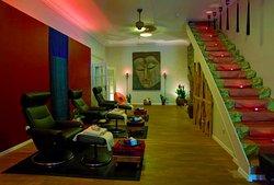 Lai-Thai Massage & Spa