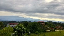"""Comfy stay with friends in the """"suburbs"""" of Quepos"""