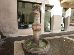 Fontana dei tre visi