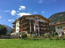 Hotel Caroline