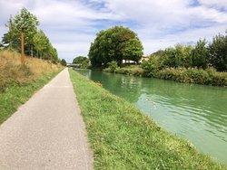 Canal de l'Aisne a la Marne