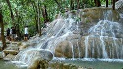 Wang Sai Thong Waterfall