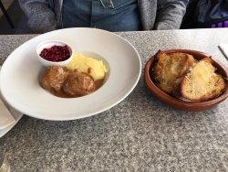Swedish Meatballs with Mashed Potatoes June 2017